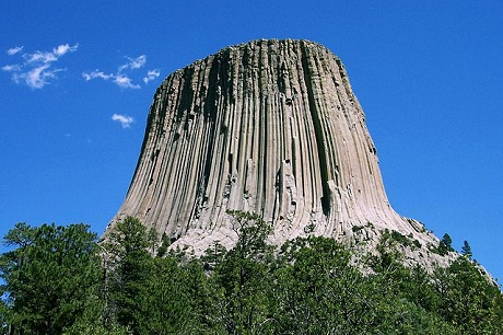 460px-Devils_Tower_CROP